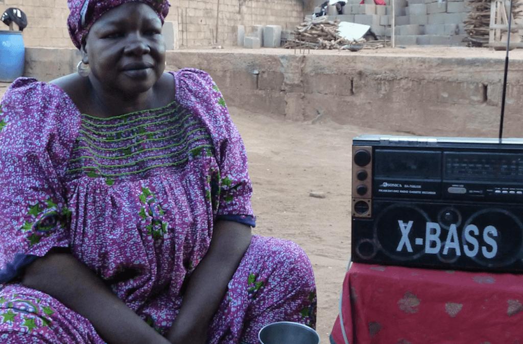 AFRICA – Abbandonare le MGF su MF! Abandoning FGM on FM! Abandonner les MGF sur MF!